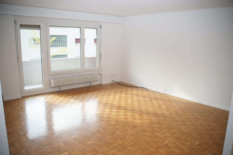 Miete: schöne und helle Wohnung an ruhiger Lage