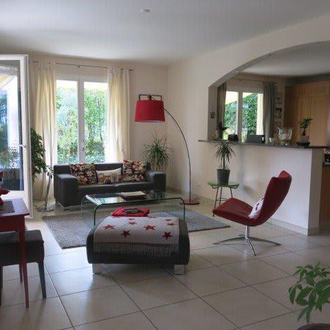 Schon gesehen? SUPRBE MAISON FAMILIALE DE 300 m2 - Jardin de 1000 m2  arboré, Vandoeuvres
